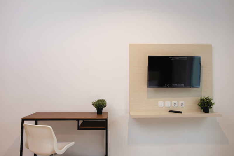 Deluxe TV and Study Desk